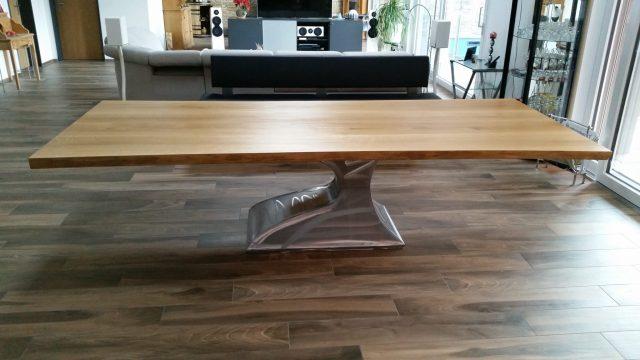 tische holztisch esstisch massivholztisch aus nussbaum. Black Bedroom Furniture Sets. Home Design Ideas